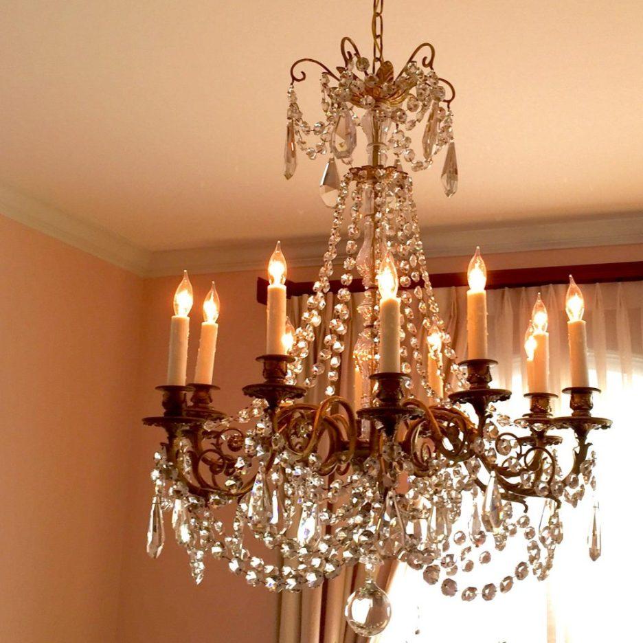 Linda Merrill design chandelier pink dining room