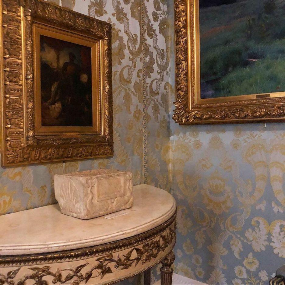 Linda Merrill Staycation Isabella Stewart Gardner museum French antique demilune