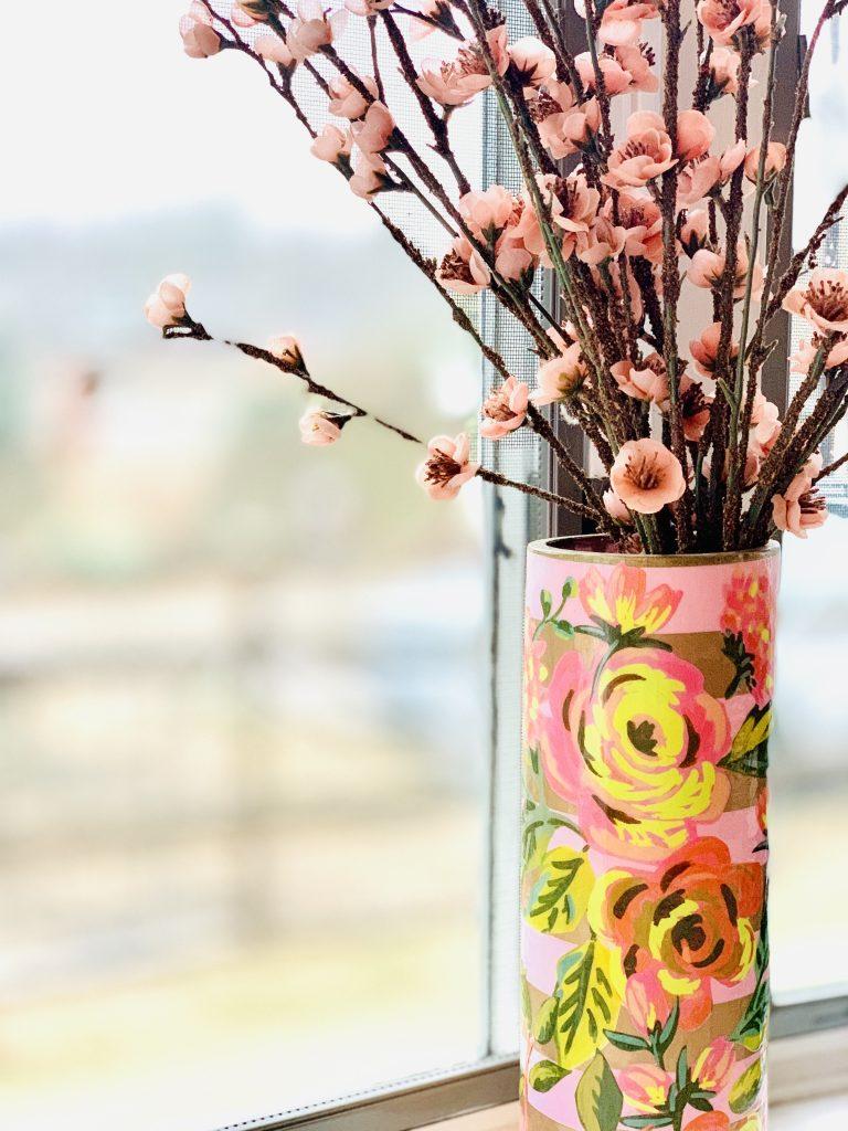 Linda Merrill decoupage vase