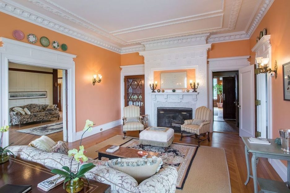 Burklyn Hall Peach sitting room white moldings