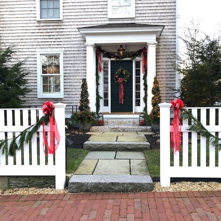 290 High Street Newburyport Christmas decorations white house shingled side door closeup