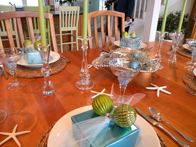 Newburyport Christmas blue and green table setting modern