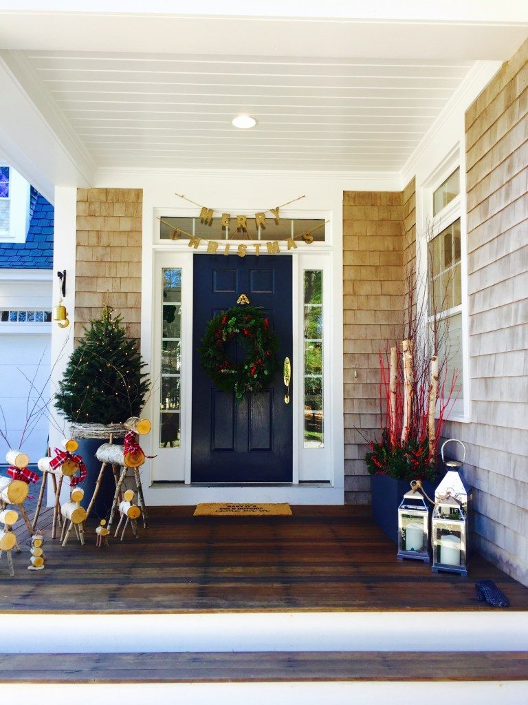 Newburyport Christmas entrance decorating