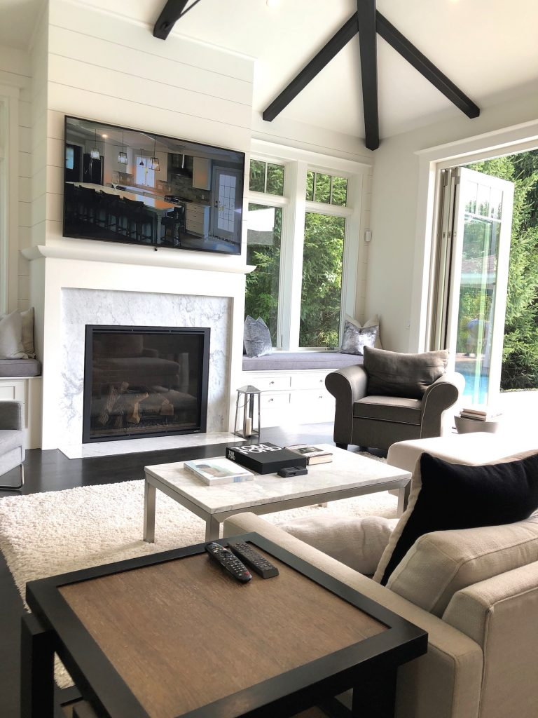 8 Wilshire Rd Newburyport Kitchen Tour 2019 Modern Black and White sitting area LMM