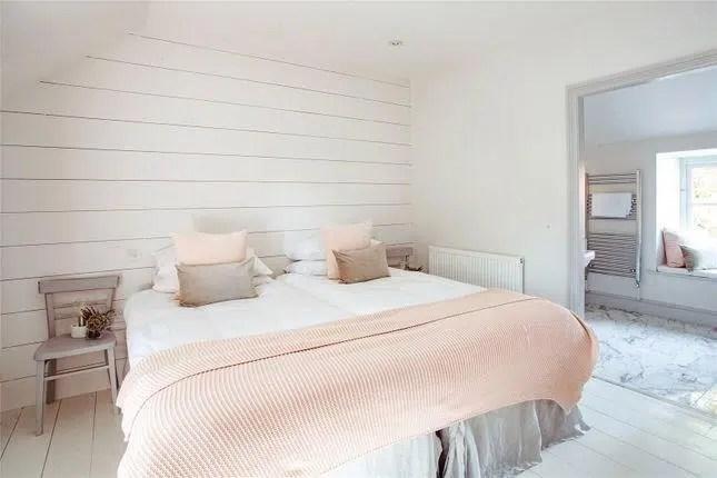 Rhydyclafdy, Pwllheli, Gwynedd Scandi New England serene pink gray bedroom