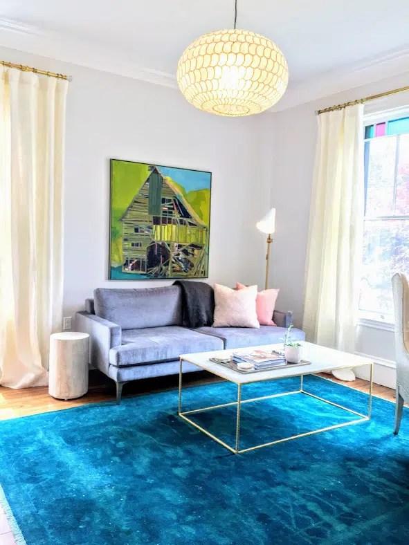 Living room Newburyport photo Linda Merrill classic coastal colors