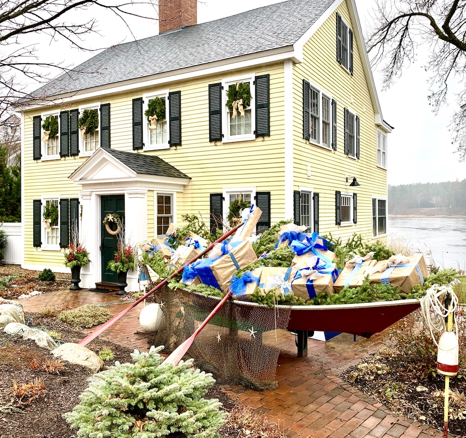 Newburyport 2020 Holiday House Tour Amesbury Main Street yellow Colonial Seaside Yuletide dory filled with presents
