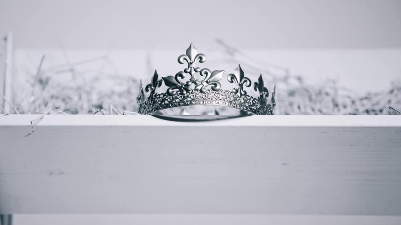 Foto van kroon van Zach Angelo, Unsplashfoto's