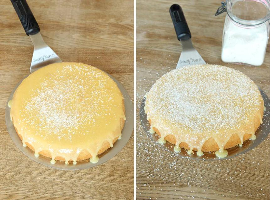5. Strö kokos över glasyren. Ställ kakan kallt en stund och låt glasyren stelna.