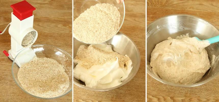 2. Mal mandeln i en mandelkvarn. Vispa äggvitorna till ett hårt skum. Tillsätt sockret och vispa ihop allt till en smet. Vänd försiktigt ner mandeln.