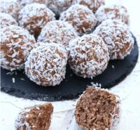 Ljuvliga nougatbollar – Klicka på bilden för recept!