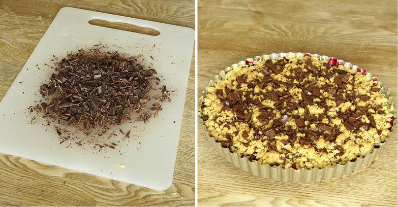 5. Hacka chokladen grovt och strö den över pajen när den fortfarande är varm. Låt den svalna.