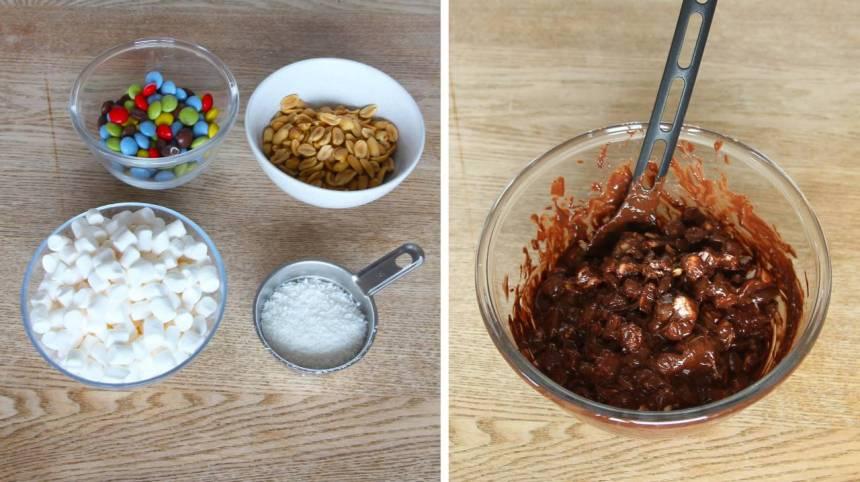 2. Blanda ner alla ingredienserna i chokladen. Spara lite till av varje ingrediens till garnering.