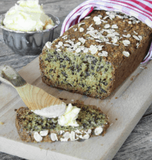 Mjölfri, nyttig havregrynslimpa med frön – klicka här för recept!