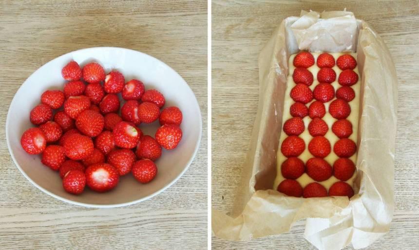 3. Lägg jordgubbarna på smeten och strö eventuellt över lite strösocker. (Dela jordgubbarna i mindre bitar om de är stora).