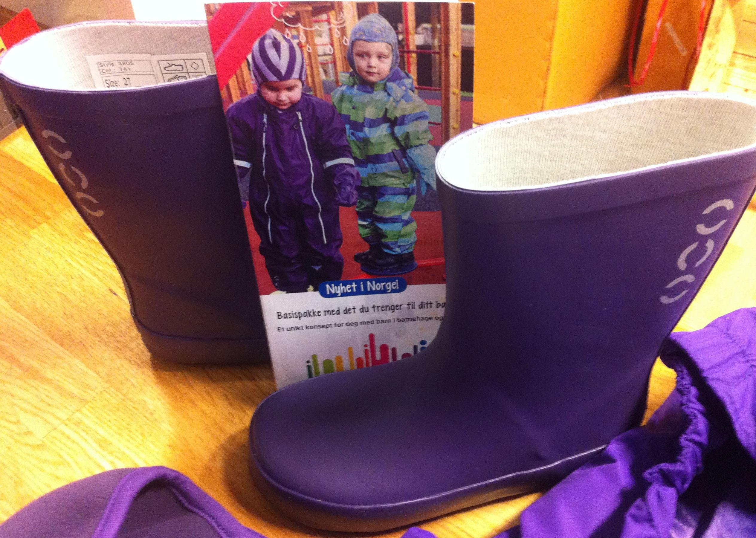 206f3f1b barnehageklær fleeze jakke barnehageklær støvler og brosjyre ...