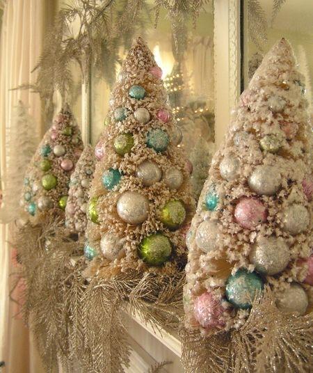 Juletrær pastell