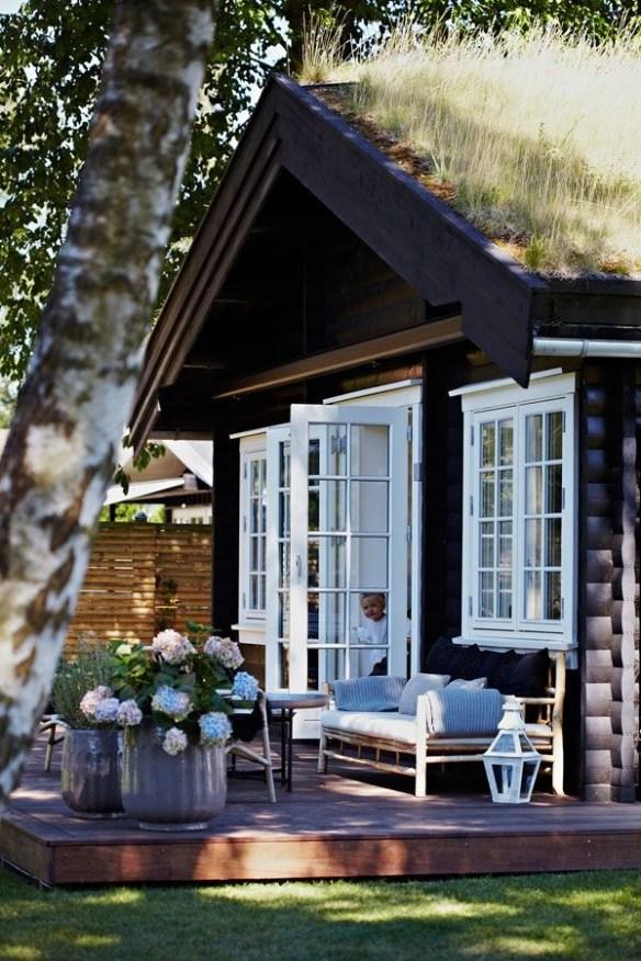 hyttetun typisk norsk laftet