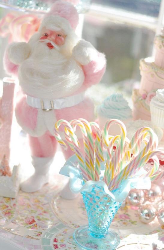 julepynt i rosa nisse