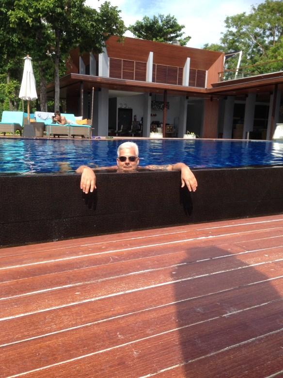 Akira Geir i bassenget Koh Lipe 1