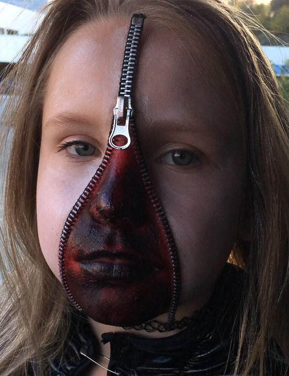 isabell-halloween-sminke-glidelas-og-blodig