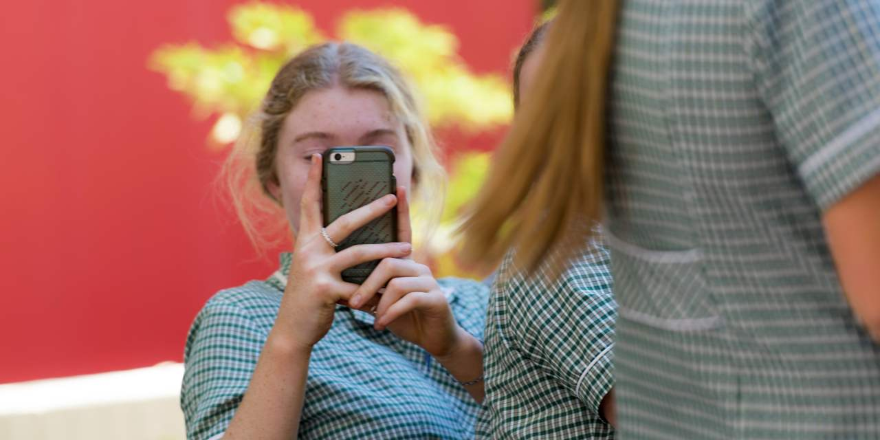 Why a Mobile Phone Ban is a Gift to Students