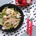 Pastas salāti ar žāvētu vistu sinepju mērcē