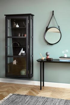 Image of Lindebjerg Design Dark Oak N4 vitrine Cabinet in green room with interior