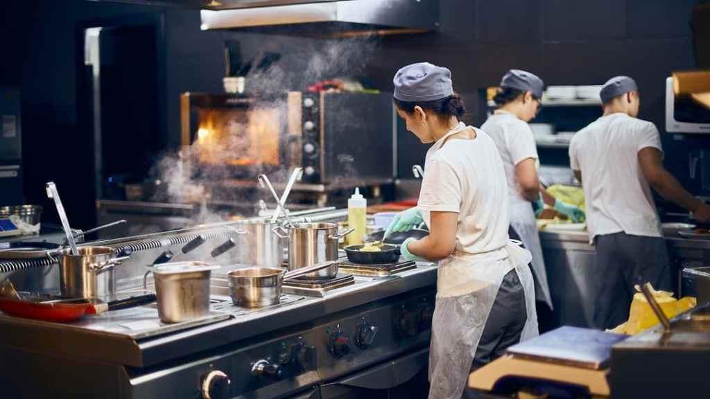 Von 19 auf sieben Prozent - Befristet auf ein Jahr bis Ende Juni 2021 - Gilt nur für Speisen, nicht für Getränke. (Bild: © izikMd)