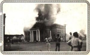 Photo of 1933 Courthouse Fire from the Collection of Charline Wiley Morris