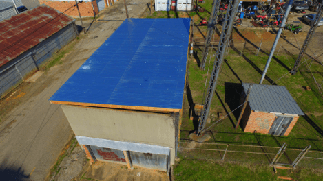Aerial view of temporary roof 24 November 2015.  Photo by Kerry and Erin Wells