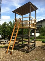 Turm am Spielplatz