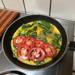 Spinach and Tomato Omelet for Two recipe - preparation