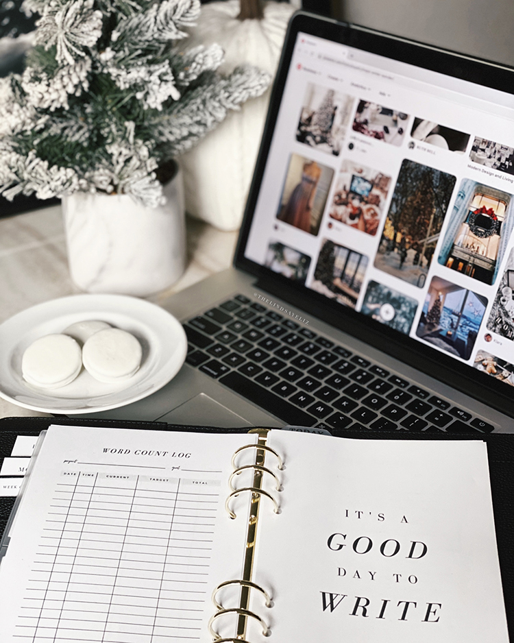 Writing Goals Printable Planner Inserts by Lindsay Elizabeth // writing a book | writing a novel | writers | authors | goal setting | planners for writers
