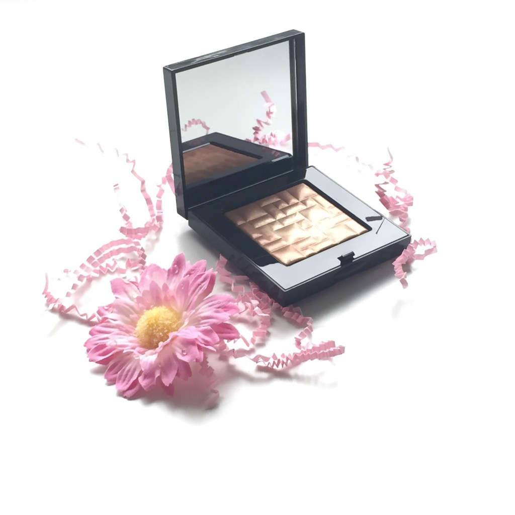 Bobbi Brown Sunkissed Glow Highlighting Powder