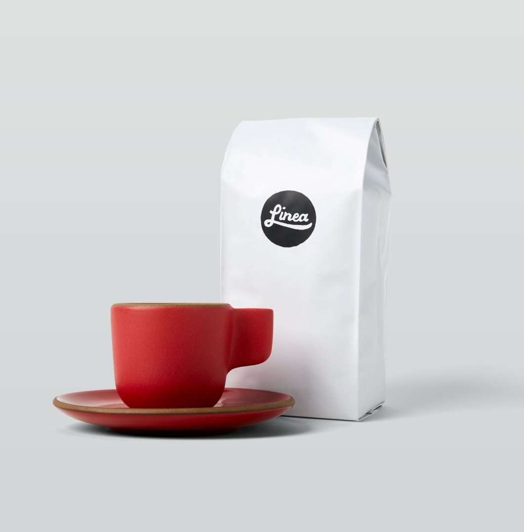 Linea Caffe Roaster's Choice Coffee with Cup