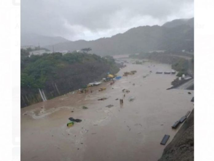 Impressive!  Strong avenues of the Baluarte river activate maximum alert in southern Sinaloa.