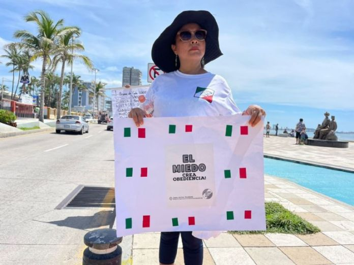 Anti-vaccination group calls in Mazatlan to stop forcing people to get vaccinated against COVID-19