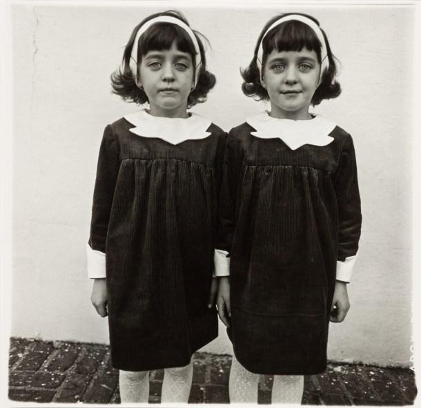 gemelas idénticas Arbus