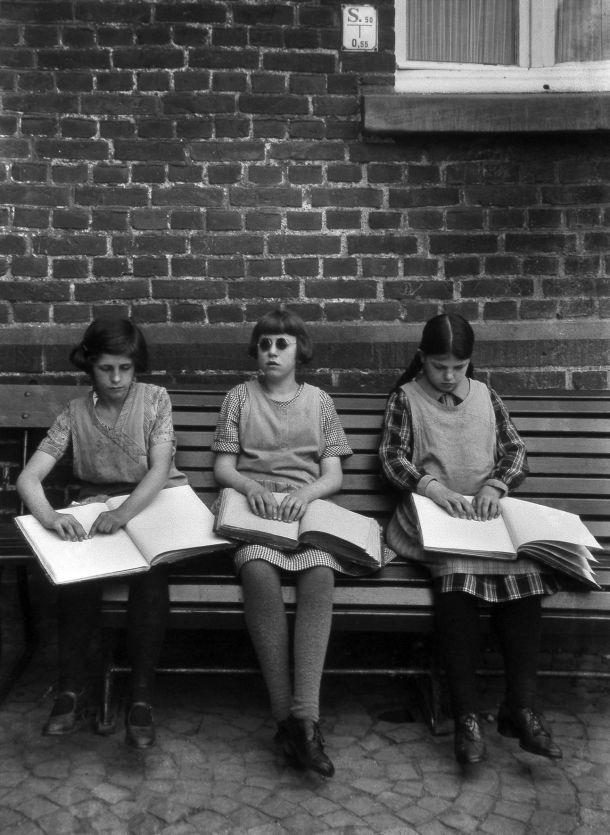 """August Sander """"Las niñas ciegas"""", año desconocido."""