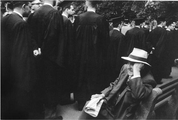 13 Robert Frank Graduación en Yale. New Haven Green, Connecticut
