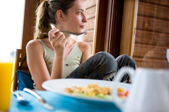 13 τρόποι για να καίτε λίπος όλη μέρα1