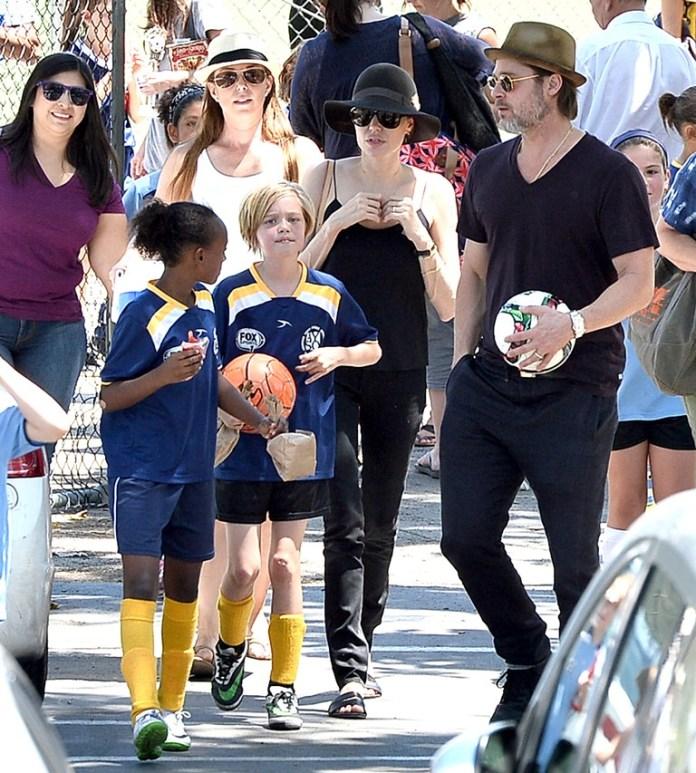 Brad-Pitt-Angelina-Jolie-Shiloh-2