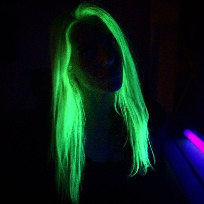 La-nueva-tendencia-del-cabello-que-brilla-en-la-oscuridad-7-730x730