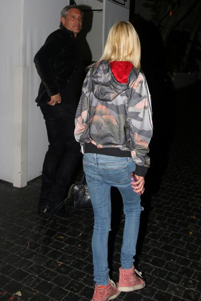 West Hollywood, CA - West Hollywood, CA - Tara Reid smiles wide as she arrives at Chateau Marmont on Super Bowl Sunday. The 40-year-old actress looked thin in a printed Adidas pullover, skinny jeans and a pair of studded pink high tops. AKM-GSI 7 FEBRUARY 2016 To License These Photos, Please Contact : Maria Buda (917) 242-1505 mbuda@akmgsi.com or Steve Ginsburg (310) 505-8447 (323) 423-9397 steve@akmgsi.com sales@akmgsi.com