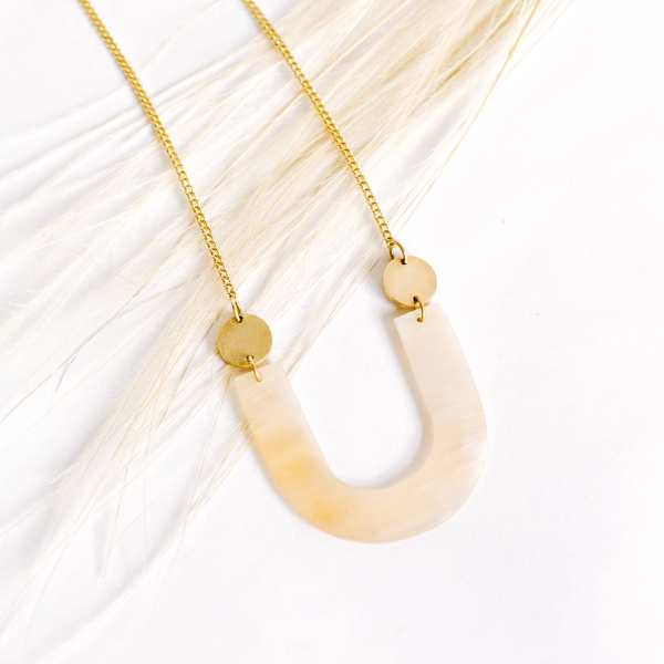 Amsha - Arch Necklace