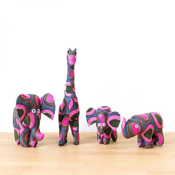 Amsha - Safari Animals: Pink Papaya
