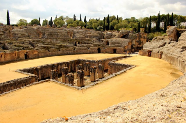 Inside the Roman amphitheatre, Italica