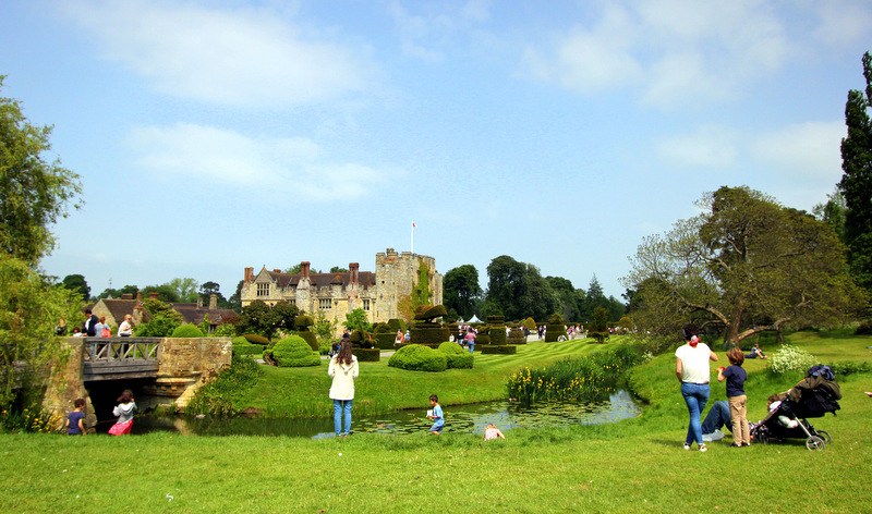 Family visits to Hever Castle