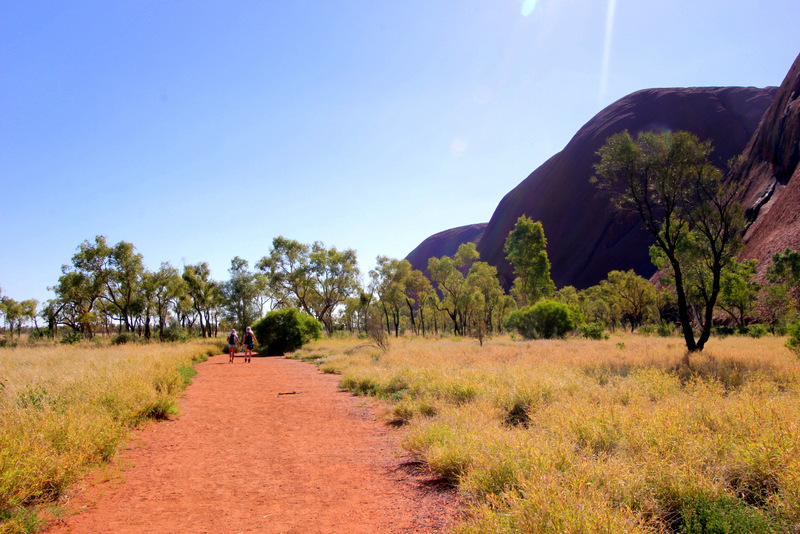 Base walk around Uluru
